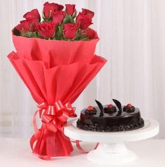10 Adet kırmızı gül ve 4 kişilik yaş pasta  Bitlis internetten çiçek satışı